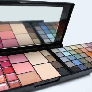 makeup-palette-open